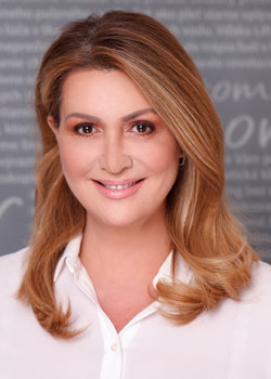Adriana Tomeková, M.D.head of the clinicdermatologist